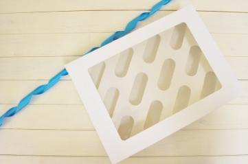 12 Cupcake Boxes